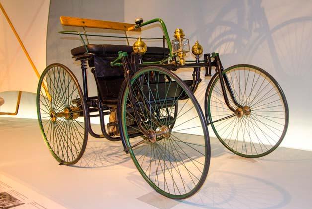 avtomobil-daimler-1895-goda