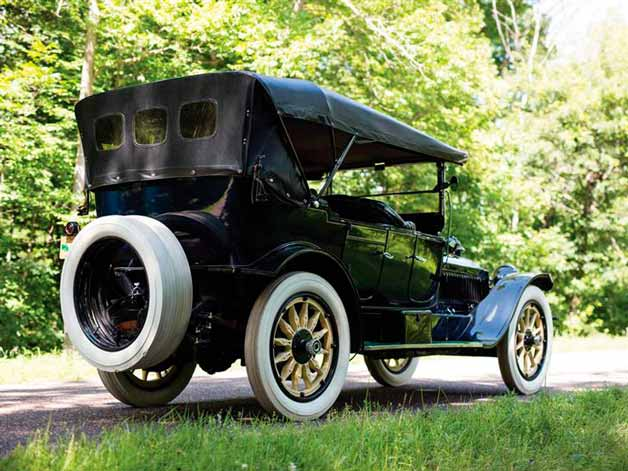 packard-1915-goda