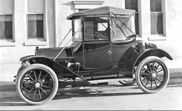 1912-Waverly-Electric-Sheltered-Roadster